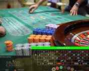 Exemple de table de live roulettes avec croupiers en direct